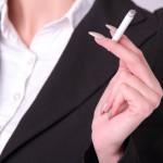 勤務中雑談が多い=喫煙者の「いっぷく」